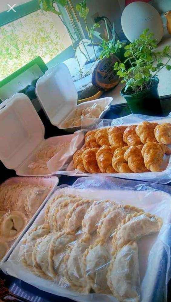 Empanadas argentinas, mediaslunas, alfajores